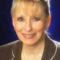 Laura Lenze