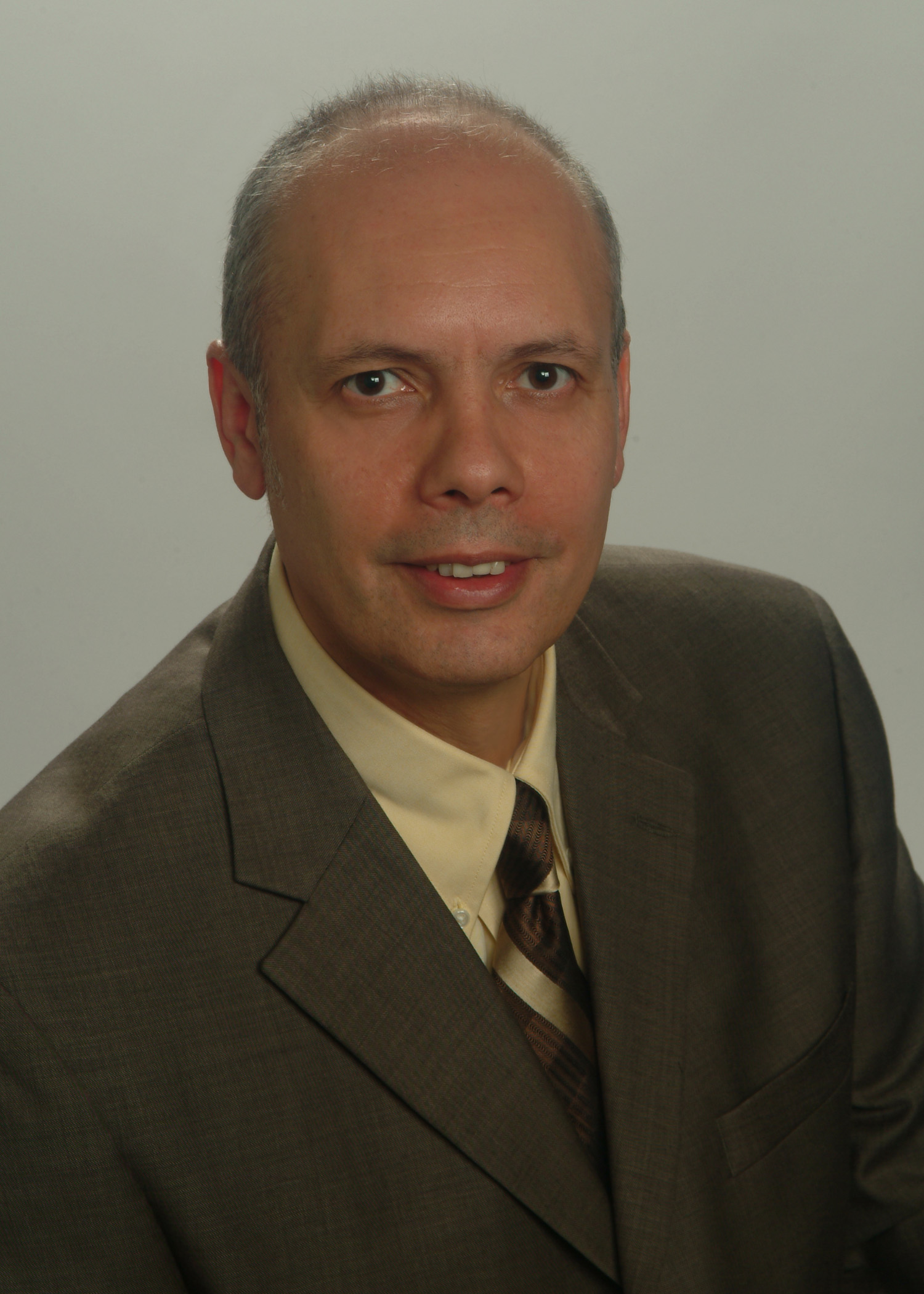 Mike Azimi